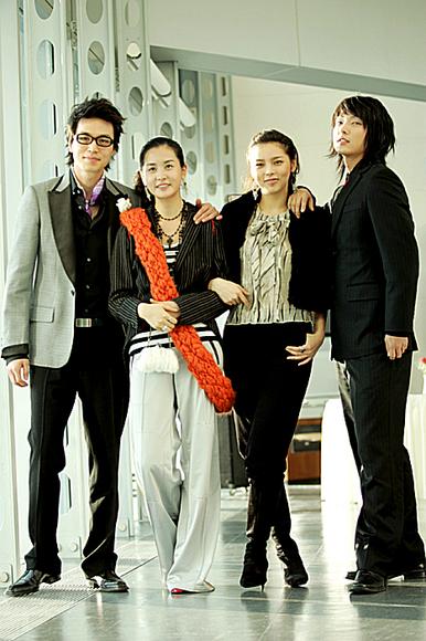 李多海 宋慧乔/四位主演集体亮相。
